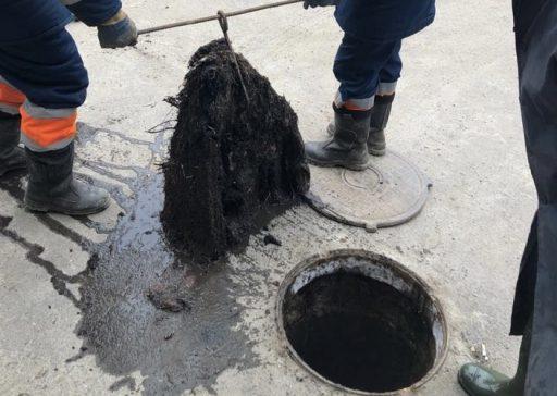 21-06-08 КВ - Туалетные освежители стали причиной засора уличной канализации